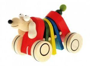 Dřevěná tahací hračka – pohyblivý pejsek