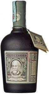 Láhev luxusního alkoholu