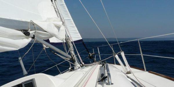 Kurz jachtingu nebo víkend na plachetnici (jachtě)